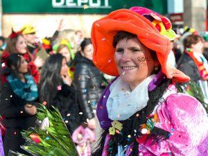rosenmontagszug-rosenmontag-2015-karneval-koeln-19