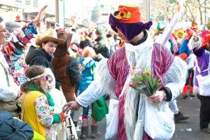 rosenmontagszug-rosenmontag-2015-karneval-koeln-23