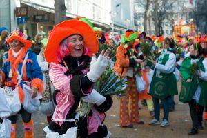 rosenmontagszug-rosenmontag-2015-karneval-koeln-28