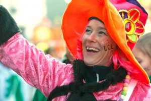 rosenmontagszug-rosenmontag-2015-karneval-koeln-45