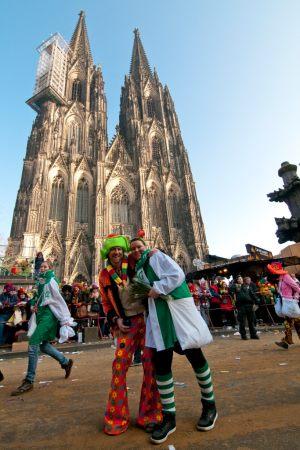 rosenmontagszug-rosenmontag-2015-karneval-koeln-53