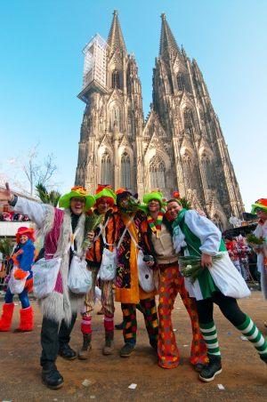 rosenmontagszug-rosenmontag-2015-karneval-koeln-54