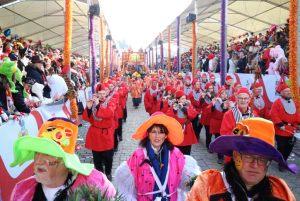rosenmontagszug-rosenmontag-2015-karneval-koeln-65