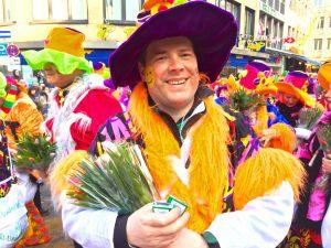 rosenmontagszug-rosenmontag-2015-karneval-koeln-71