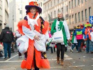 rosenmontagszug-rosenmontag-2015-karneval-koeln-75