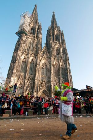 rosenmontagszug-rosenmontag-2015-karneval-koeln-76
