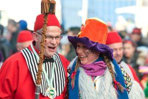 rosenmontagszug-rosenmontag-2015-karneval-koeln-77