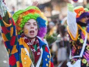 rosenmontagszug-rosenmontag-2015-karneval-koeln-81