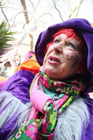 rosenmontagszug-rosenmontag-2015-karneval-koeln-89