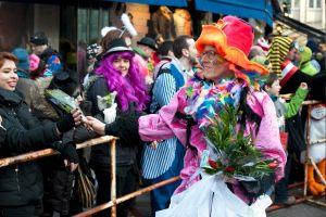 rosenmontagszug-rosenmontag-2015-karneval-koeln-98
