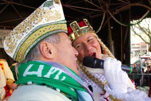 weiberfastnacht-2015-karneval-koeln-14