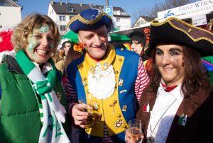 weiberfastnacht-2015-karneval-koeln-17