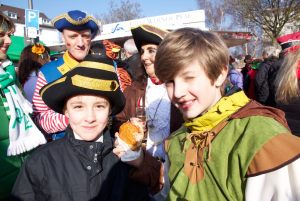 weiberfastnacht-2015-karneval-koeln-26