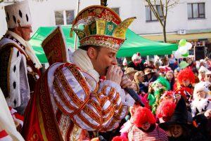 weiberfastnacht-2015-karneval-koeln-32