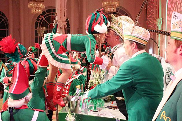 18-maedchensitzungen-karneval-koeln-lindenthal