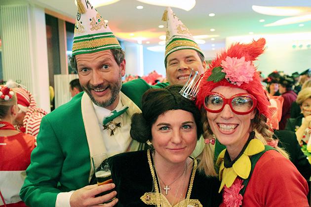 26-maedchensitzungen-karneval-koeln-lindenthal
