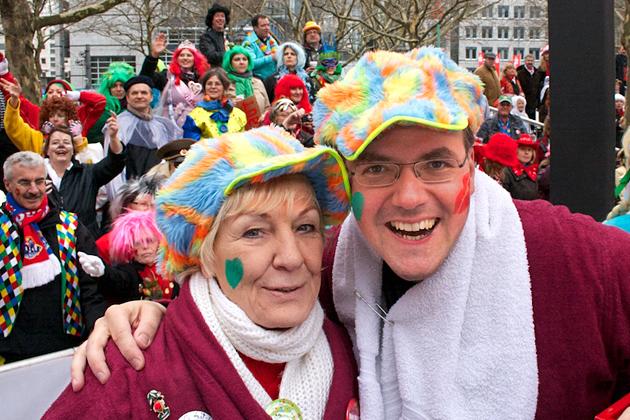 06-rosenmontagszug-karneval-koeln-lindenthal-cologne