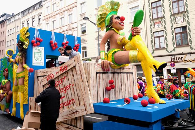 15-rosenmontagszug-karneval-koeln-lindenthal-cologne